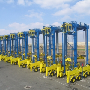 Konecranes Straddle Carriers