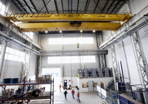 overhead_cranes_equipment_lander
